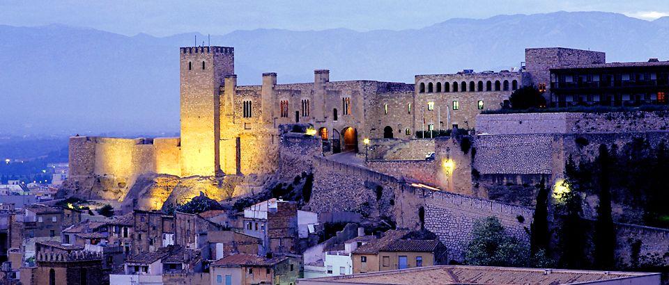 Castillo de la Zuda in de nacht